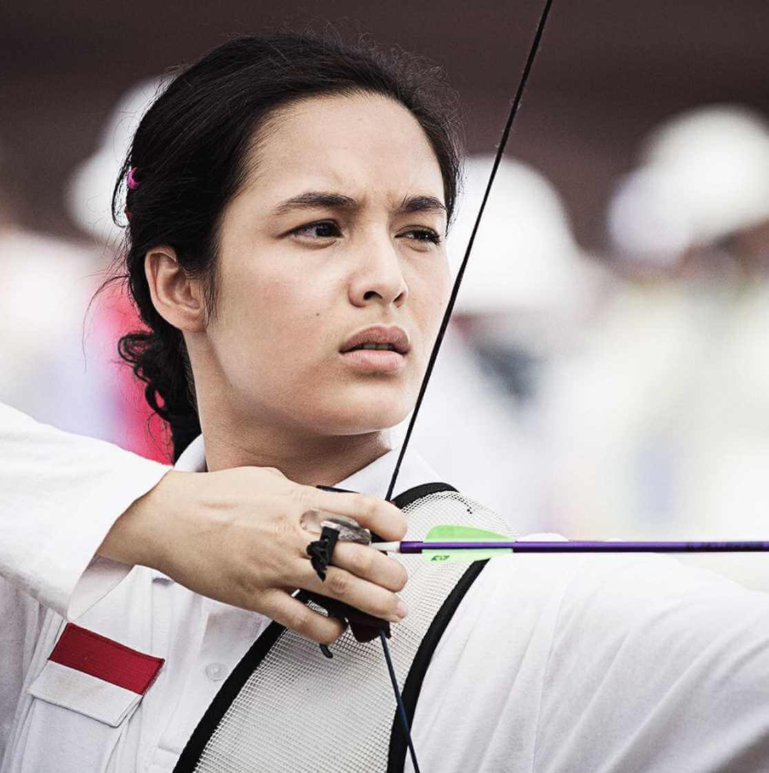 Chelsea Islan with Sports Photo