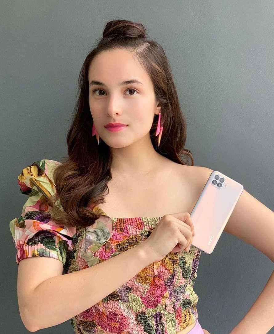 Chelsea Islan with Mobile Ads.
