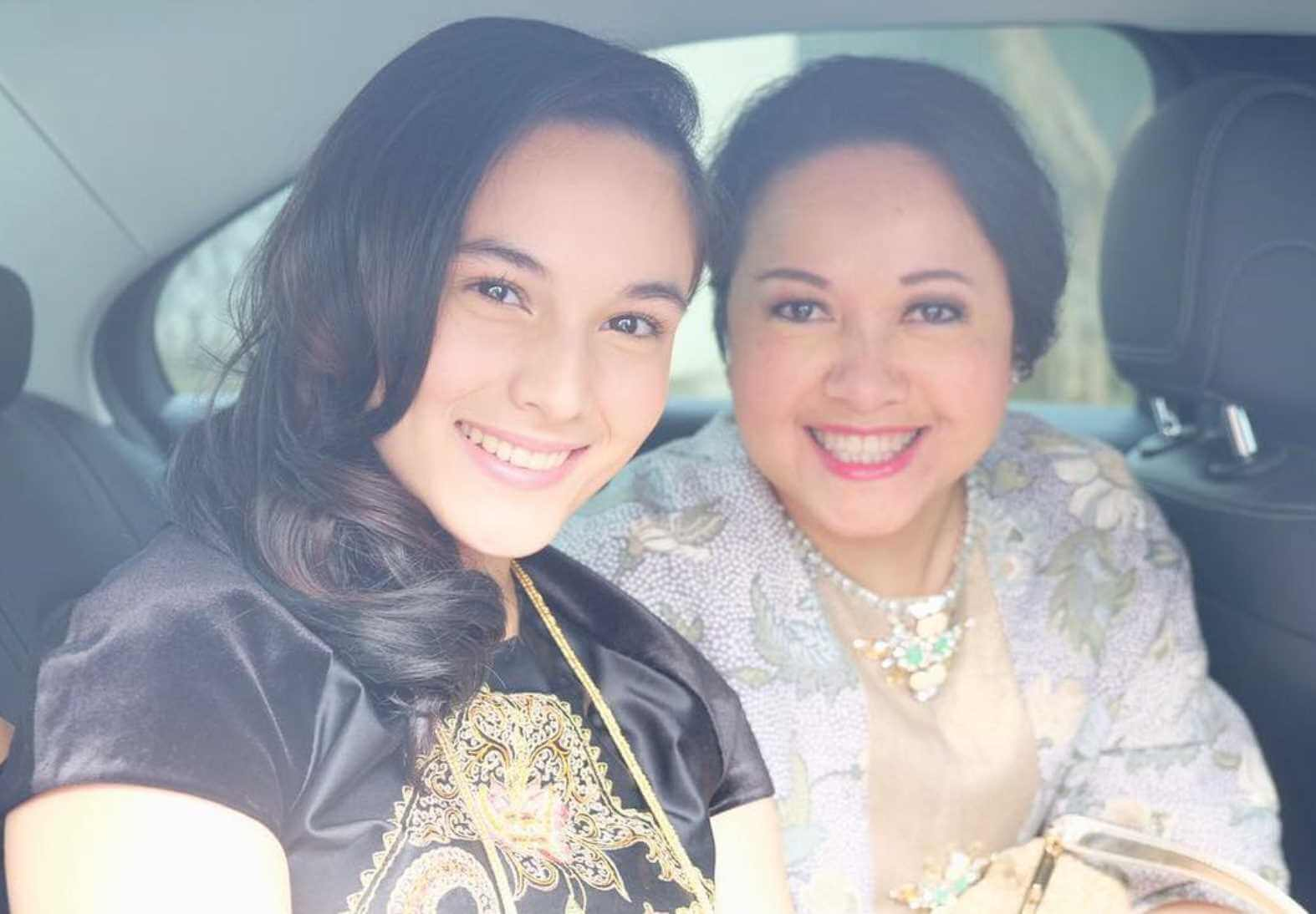 Chelsea Islan with her Mother Photo