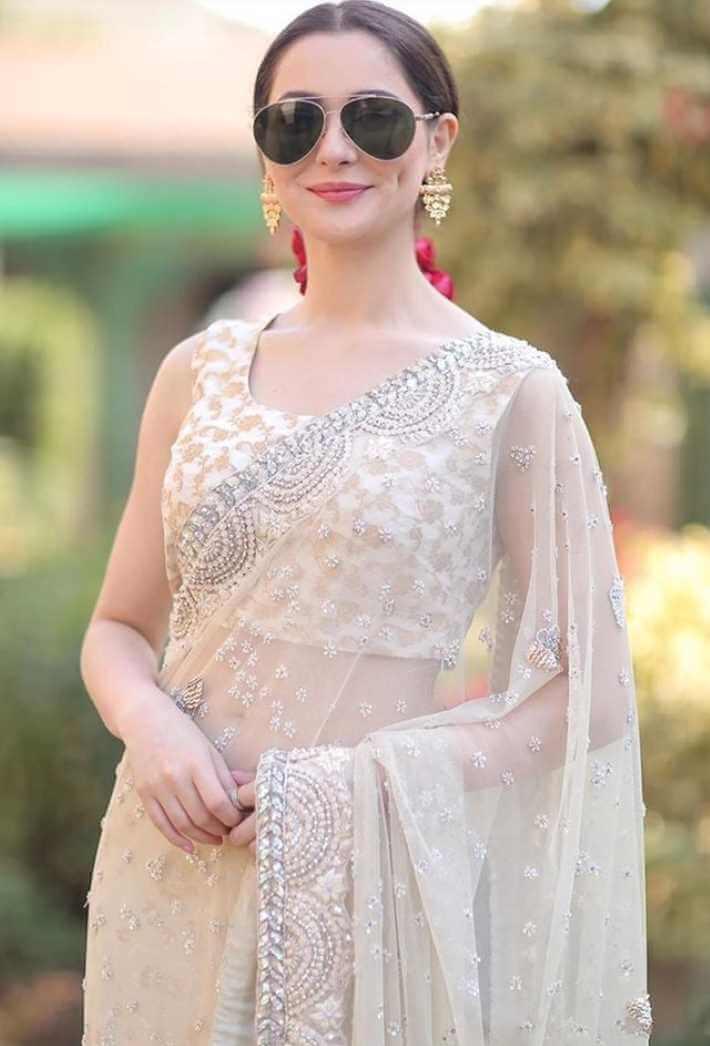 Hania Aamir Saree Photo