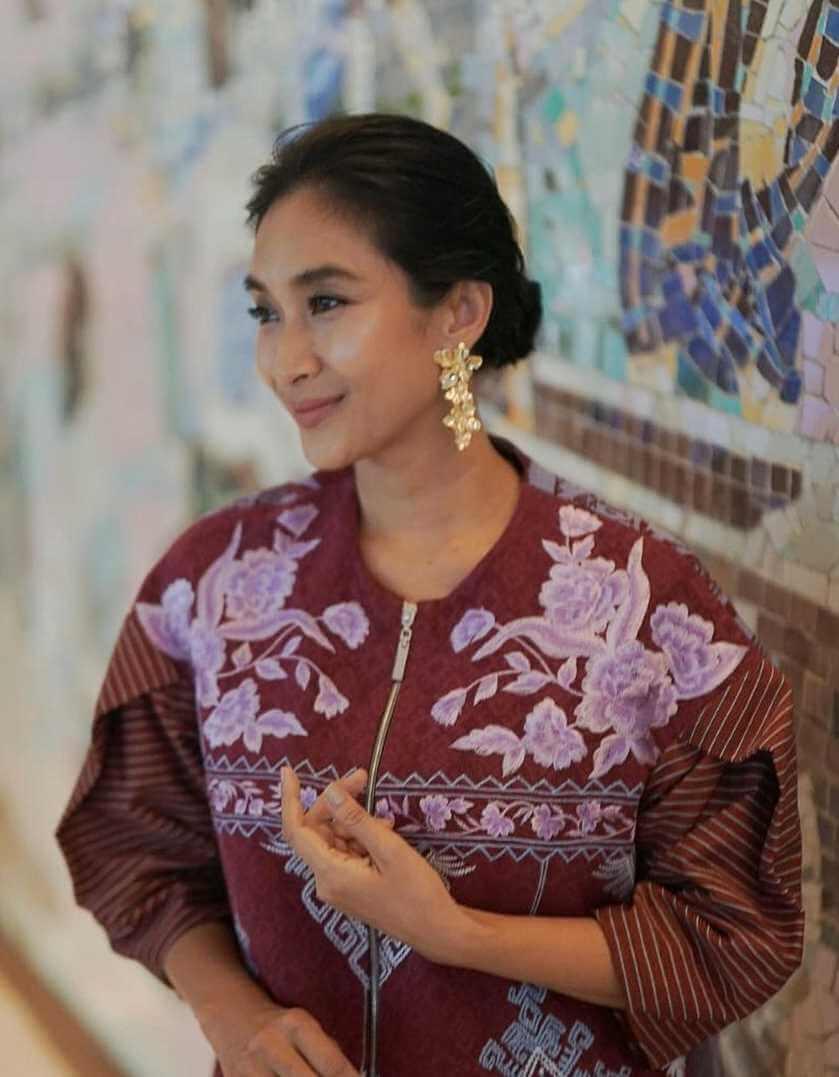 Happy Salma HD Image