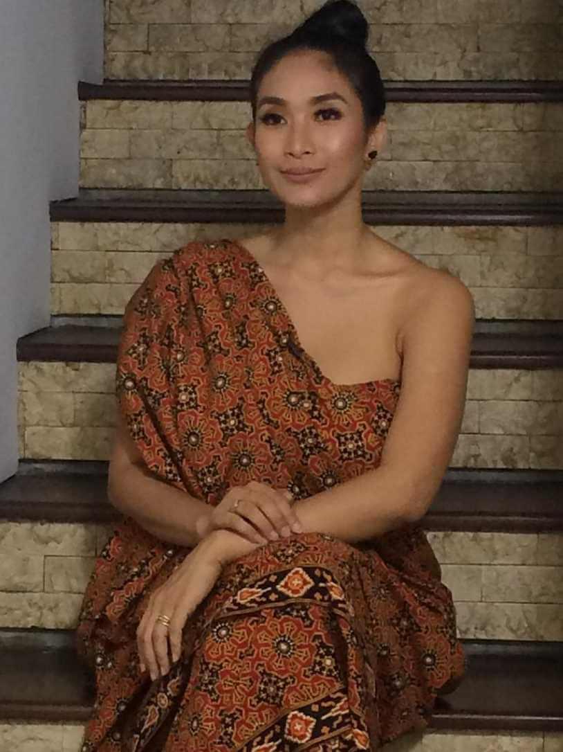 Happy Salma Old Hd Photo