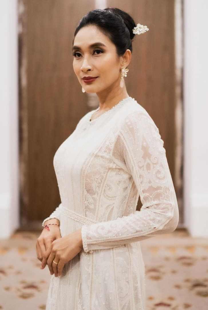 Happy Salma Photo 2021