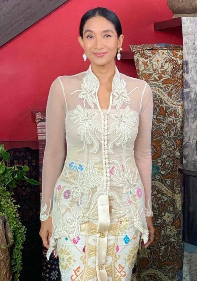 Happy Salma Styles Photo