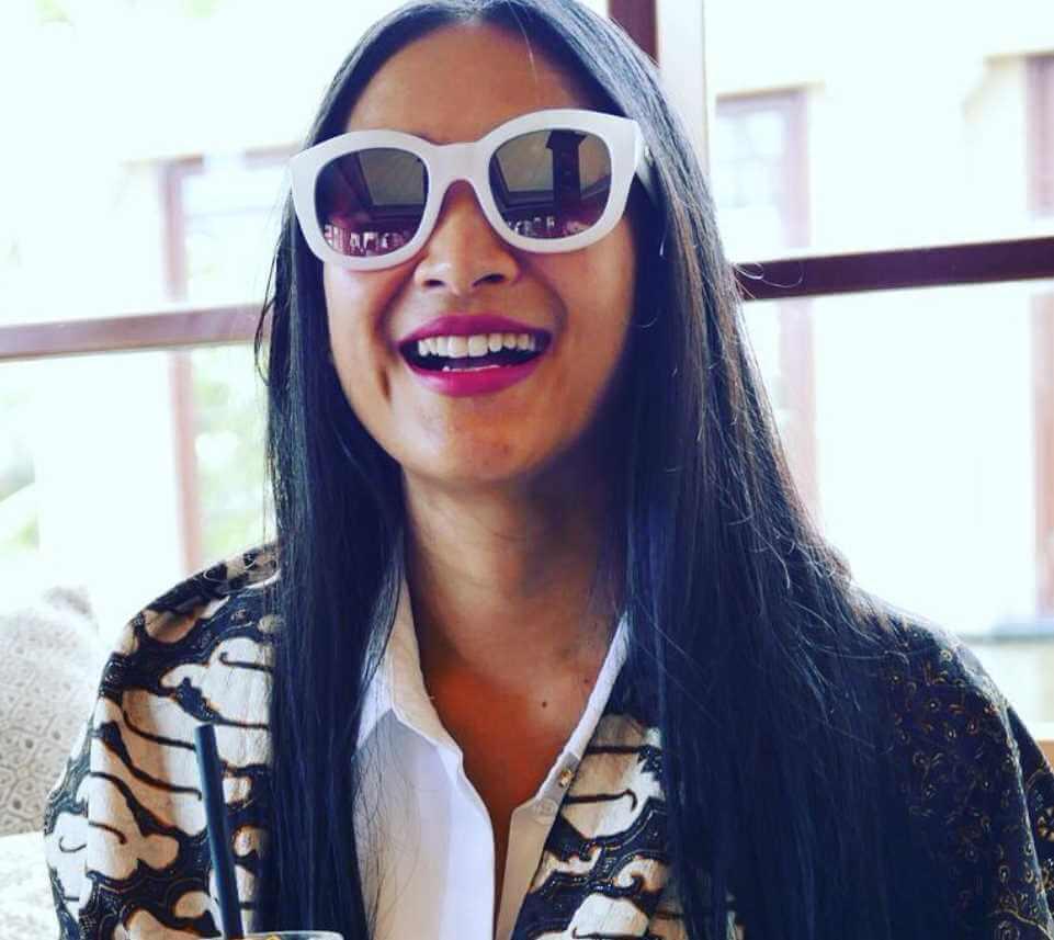 Happy Salma Sunglass Selfie