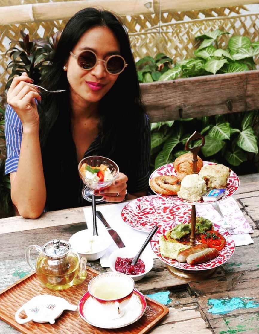 Happy Salma with foods Photo