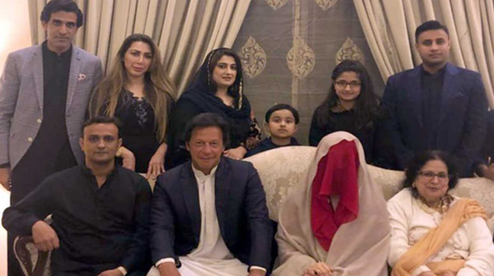 Imran Khan with Family Photo