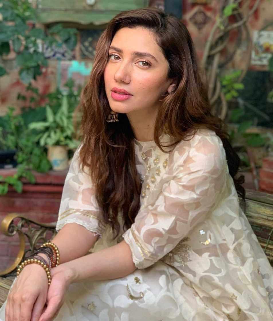 Mahira Khan HD Picture