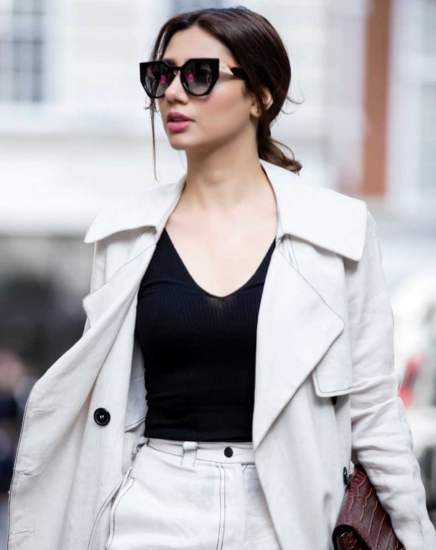 Mahira Khan Latest Hot Photo
