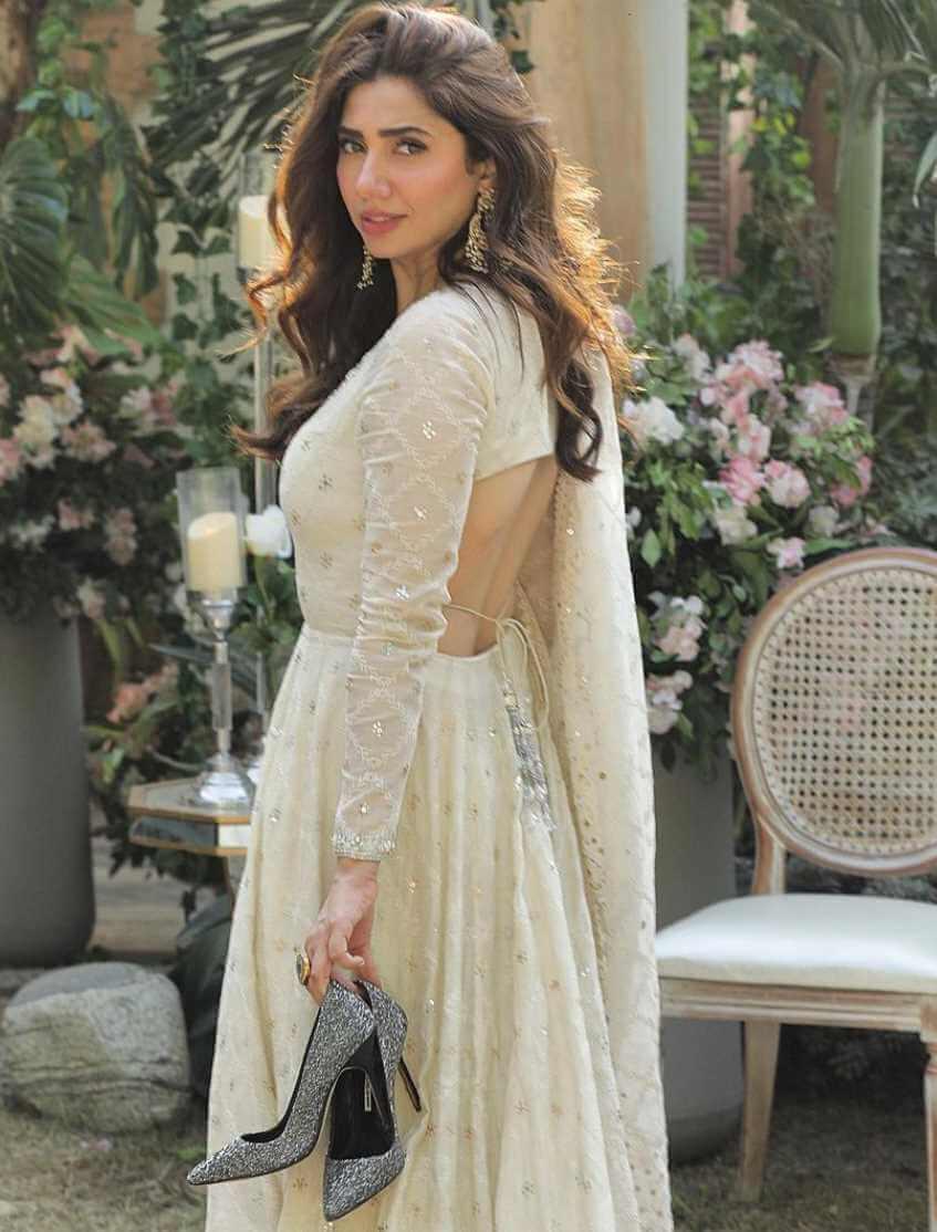 Mahira Khan Nice Picture