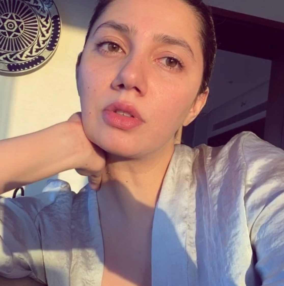 Mahira Khan Old Selfie