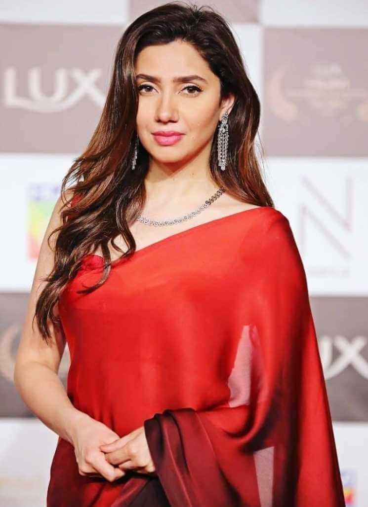 Mahira Khan Red Color Saree  Image