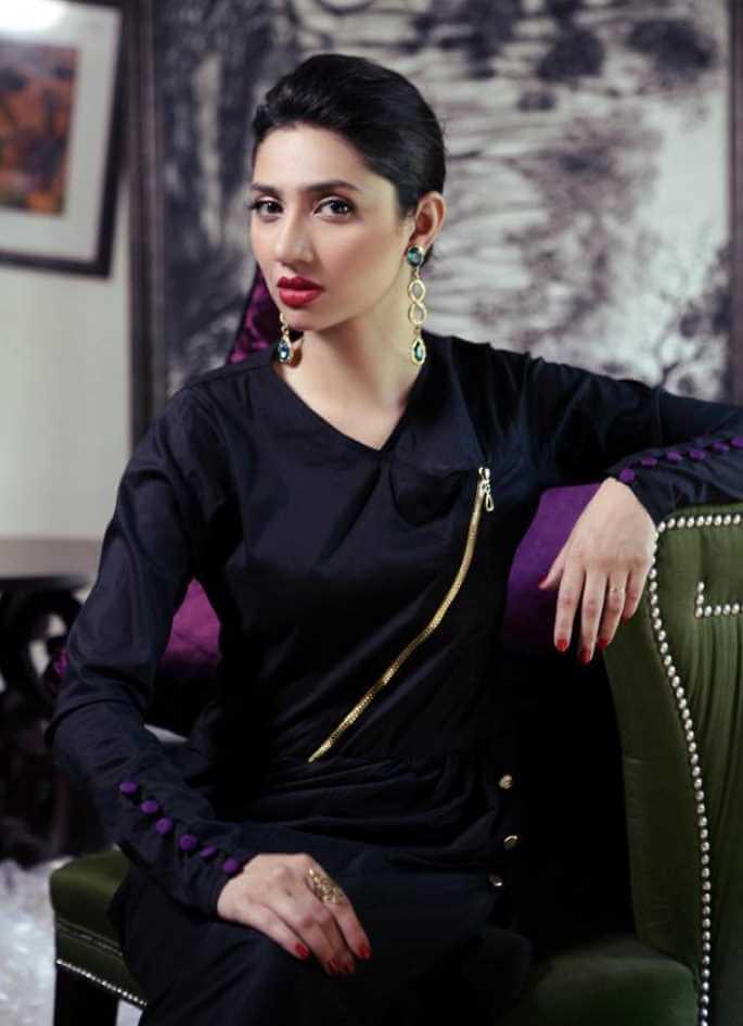 Mahira Khan Salwar Kameez Hot Pic