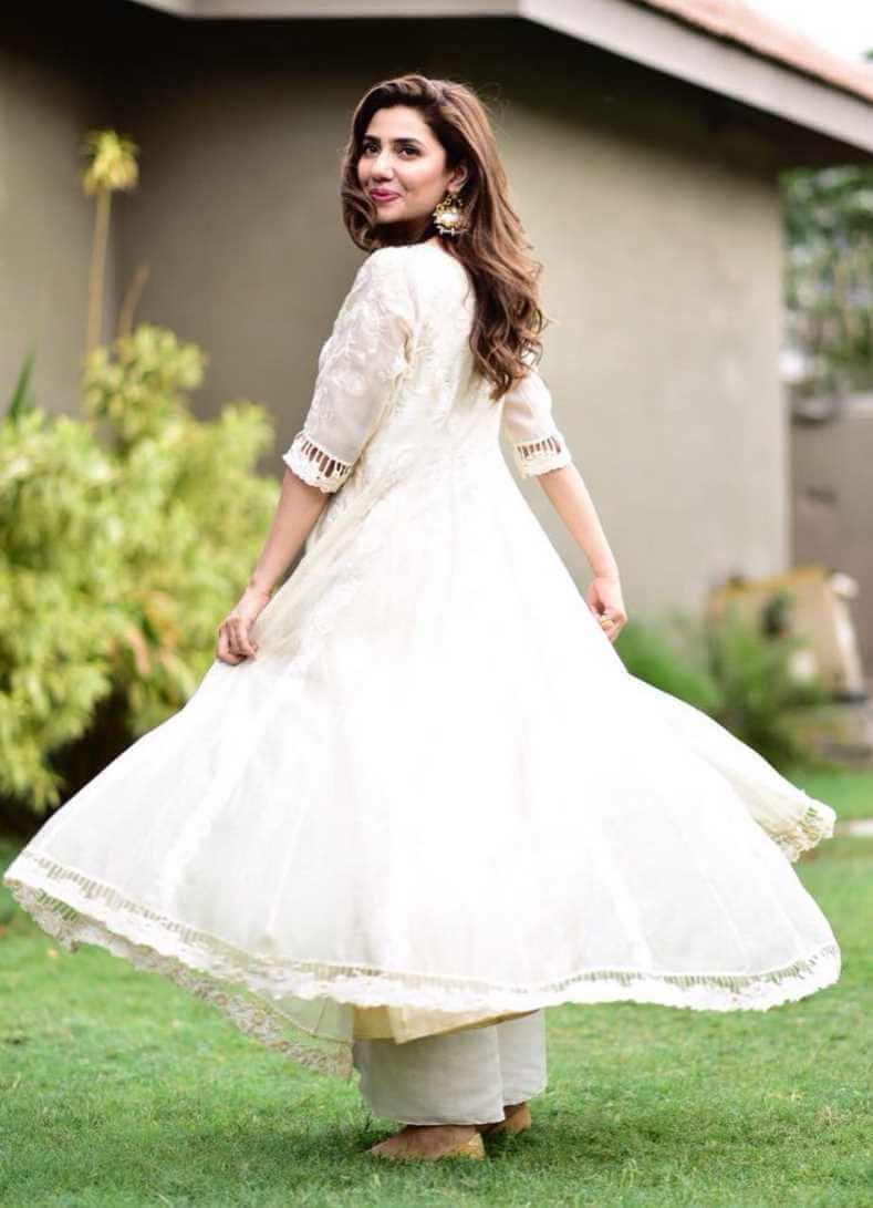 Mahira Khan Salwar Kameez New Photo