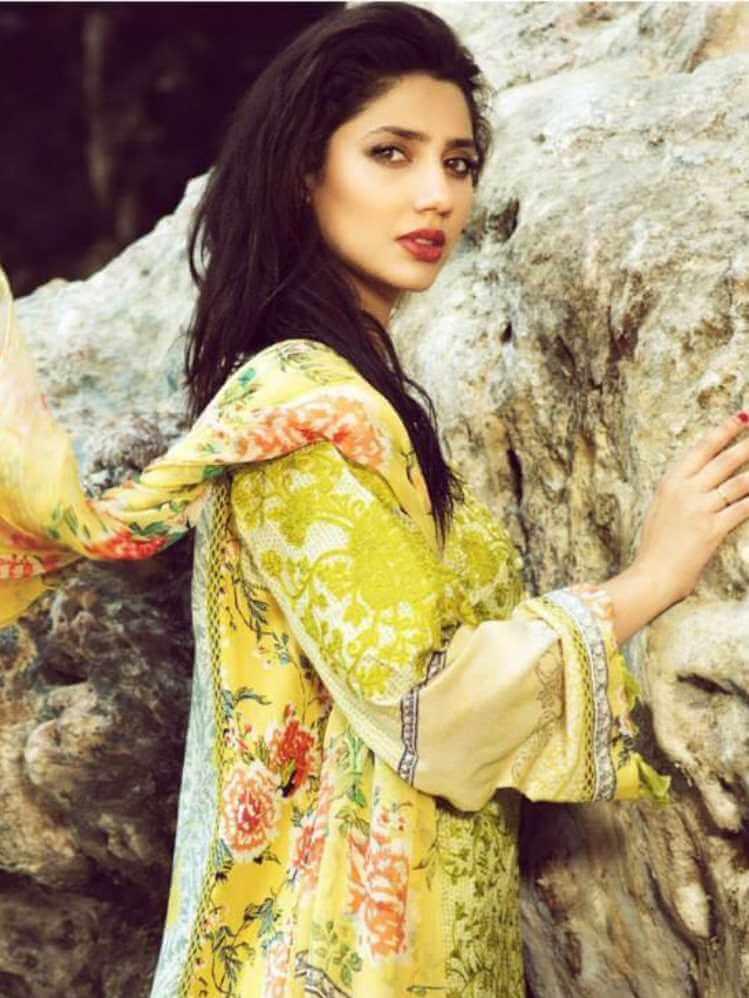 Mahira Khan Salwar Kameez Photo 10