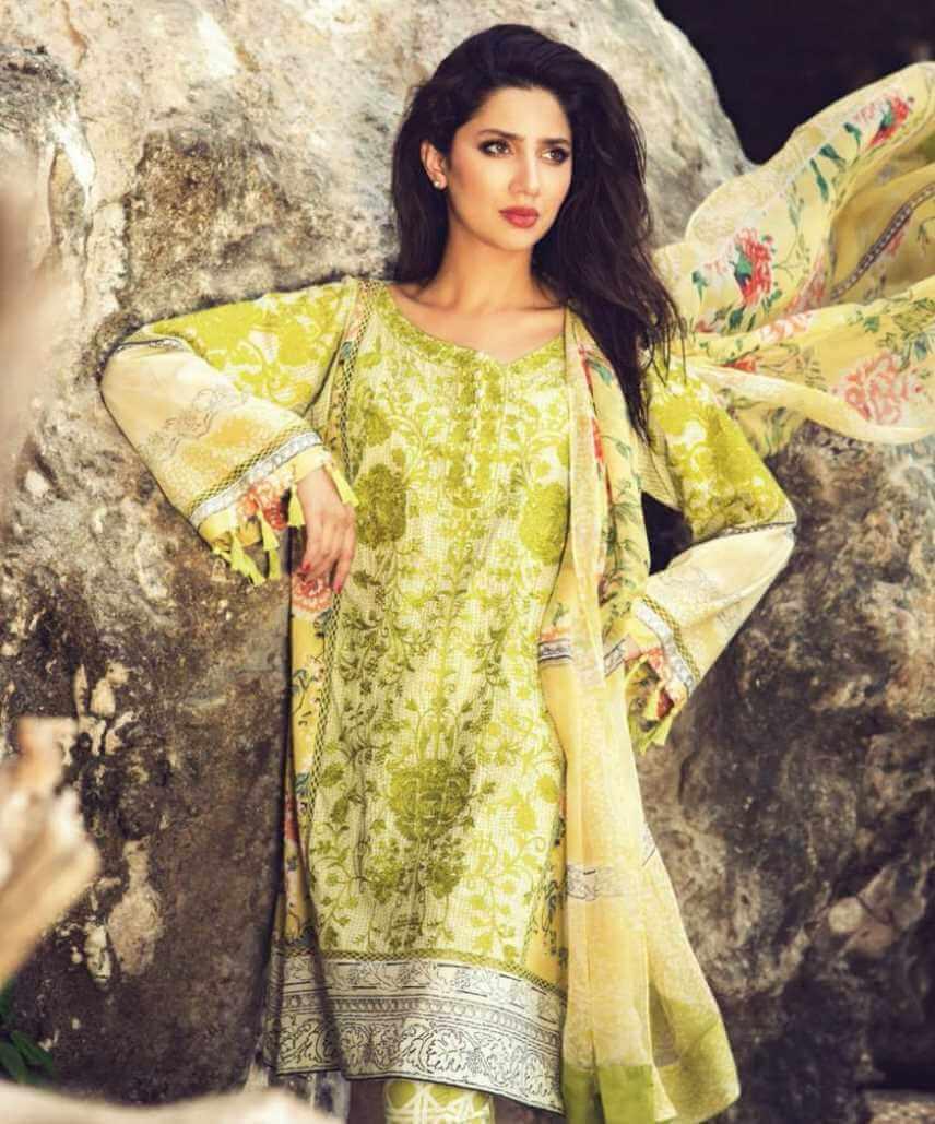Mahira Khan Salwar Kameez Photo 9