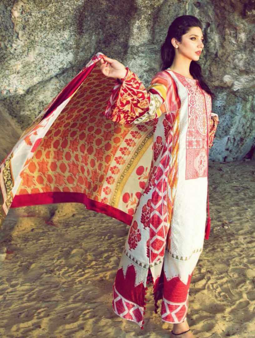 Mahira Khan Salwar Kameez Style Pic