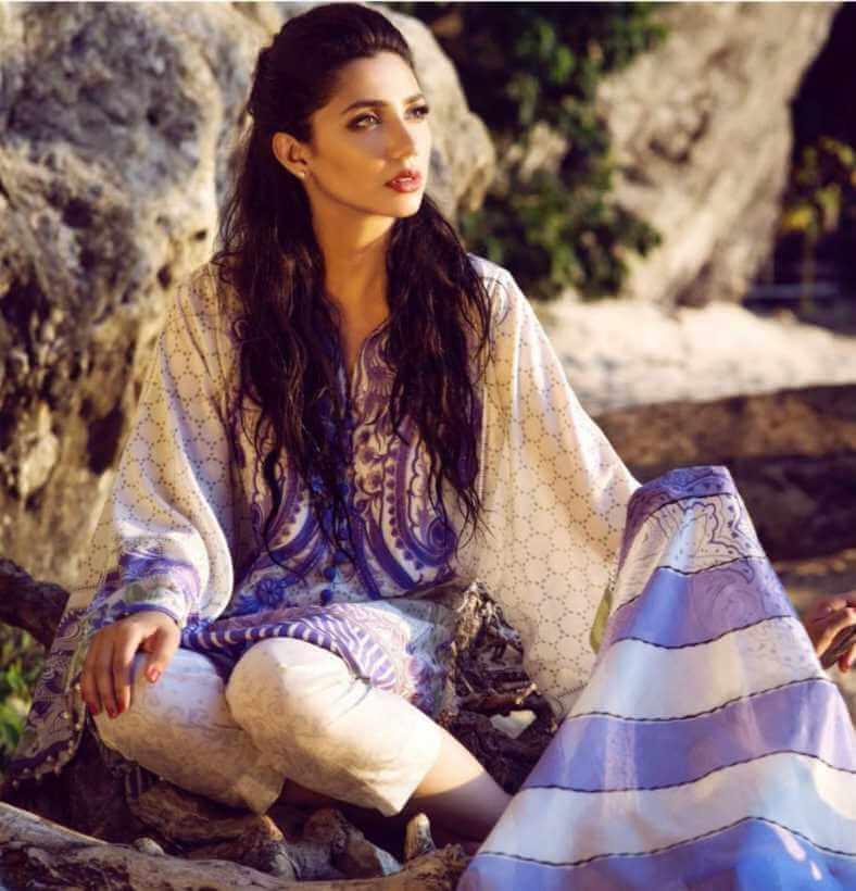 Mahira Khan Salwar Kameez Styles Photo