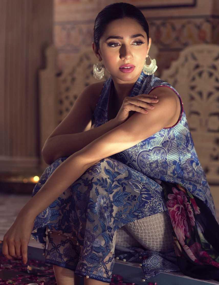 Mahira Khan Salwar Kameez hot Photo