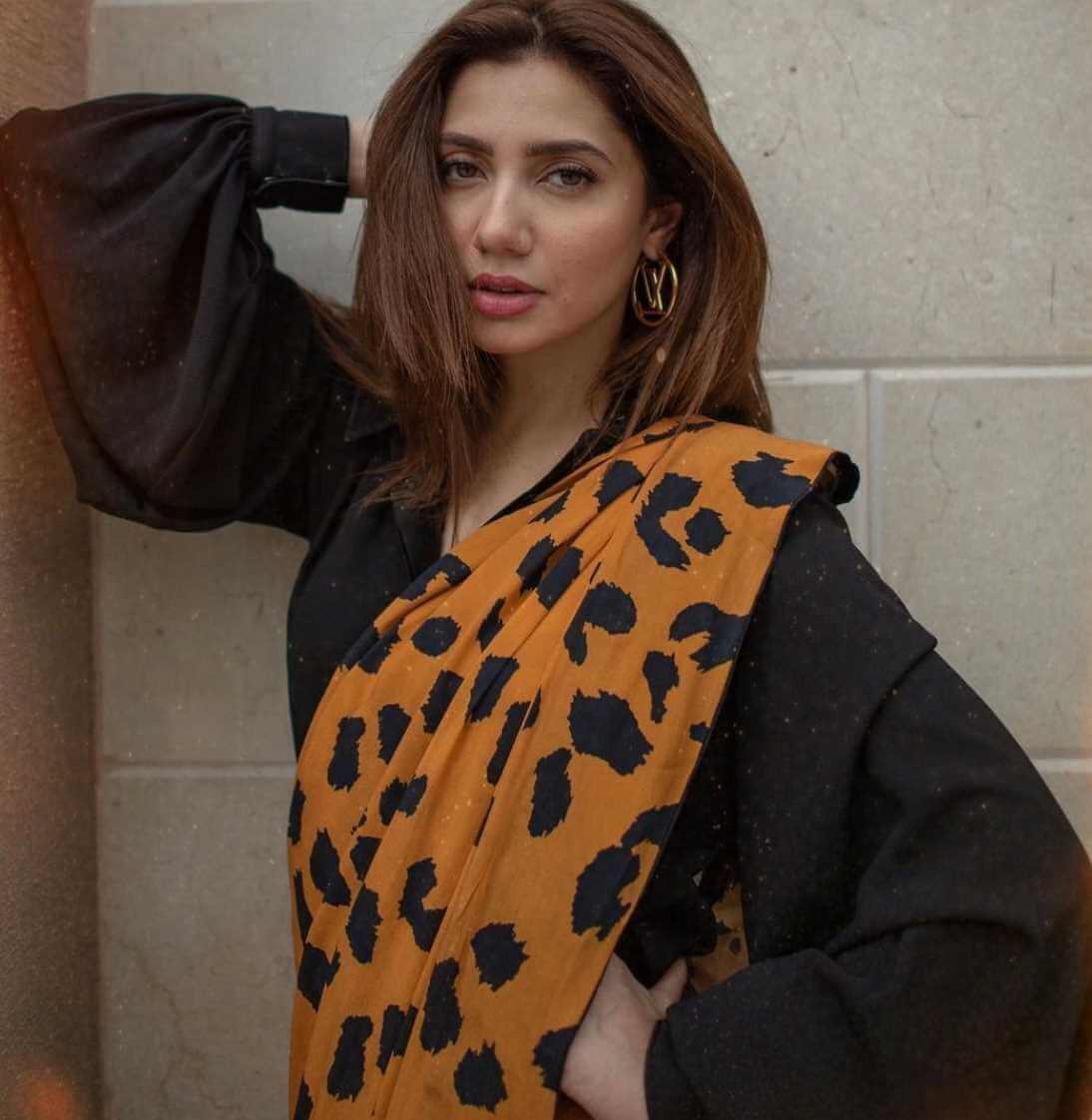 Mahira Khan Saree Image
