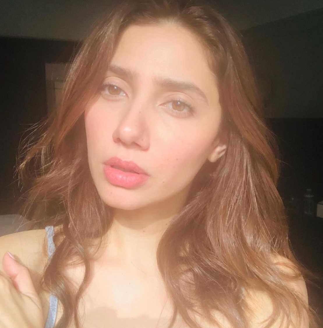 Mahira Khan Selfie 2