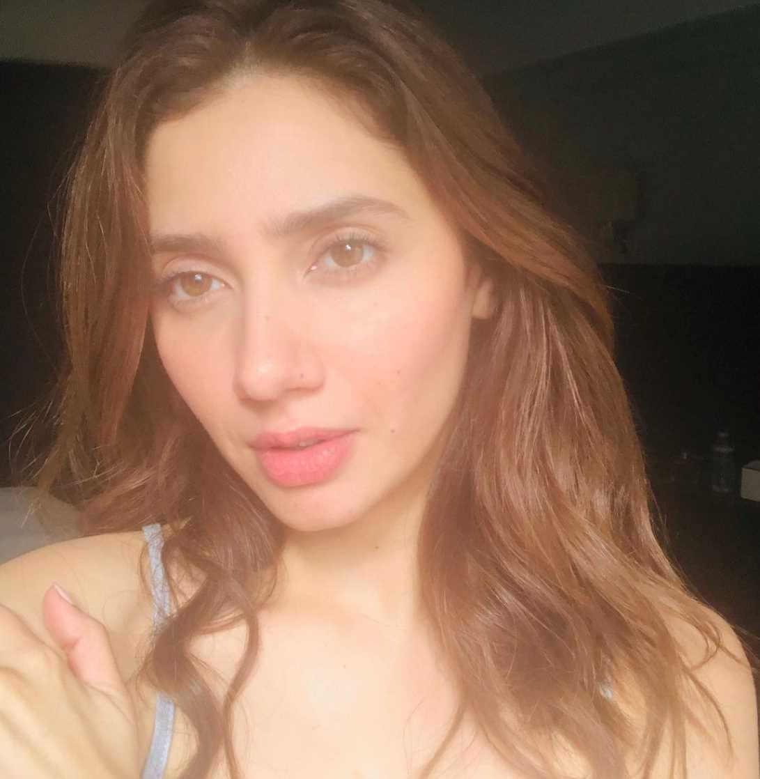 Mahira Khan Selfie 3