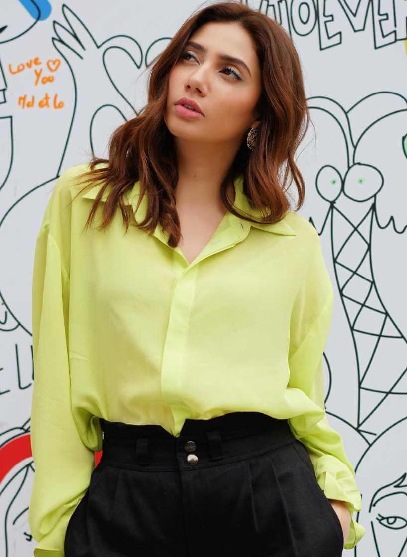 Mahira Khan Shirt Photo