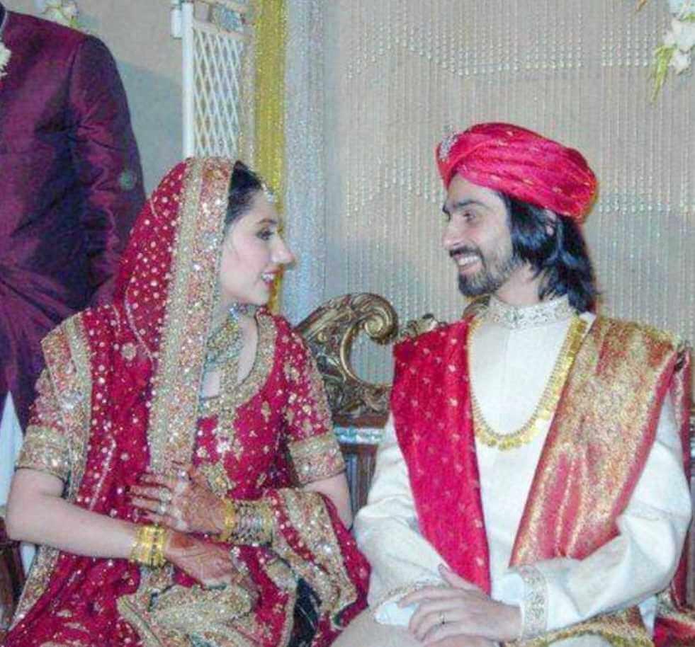 Mahira Khan with her Husband Photo