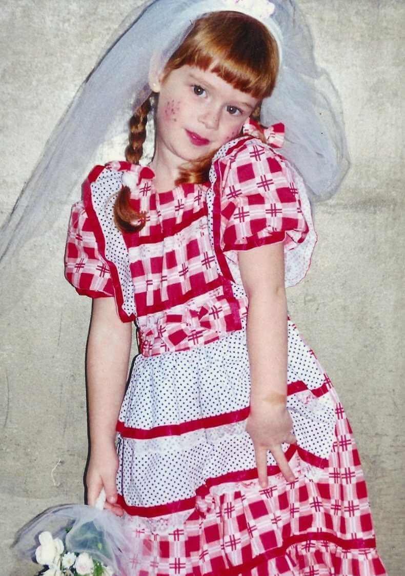 Marina Ruy Childhood Photo