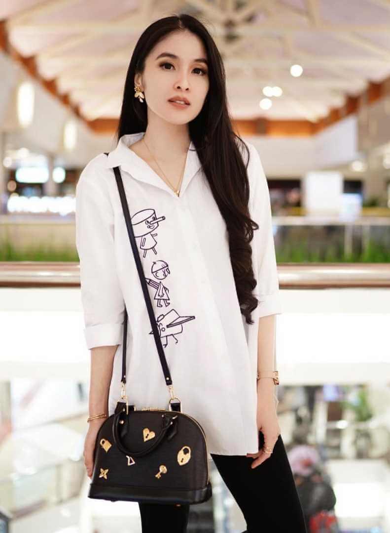 Sandra Dewi HD Photo 5