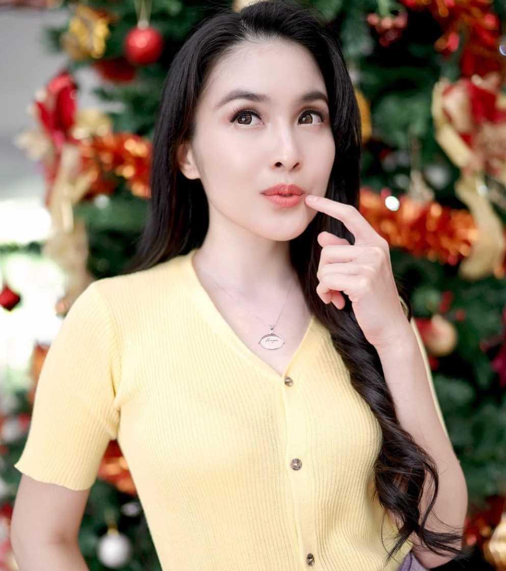 Sandra Dewi Image