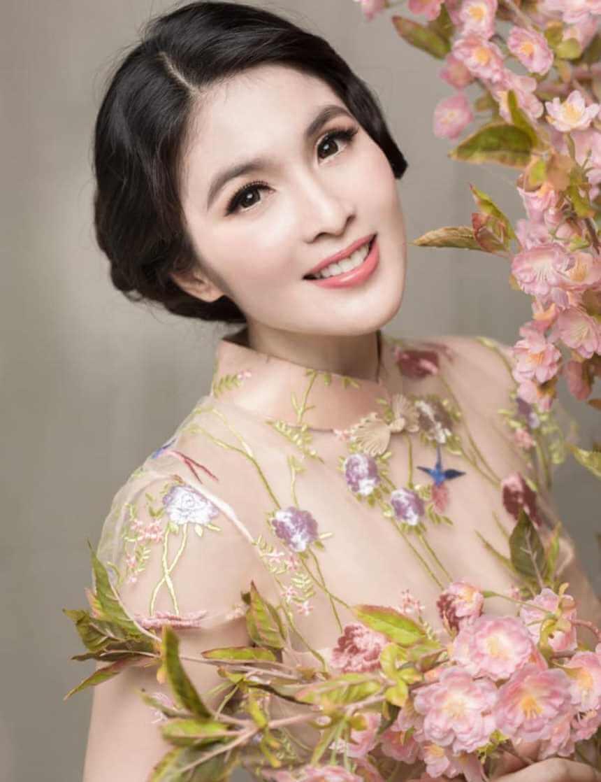 Sandra Dewi New HD Photo