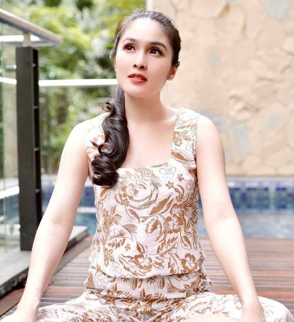 Sandra Dewi New Pic 2021