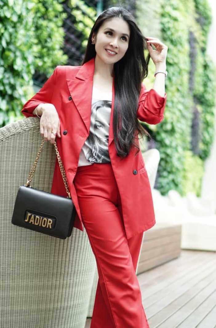 Sandra Dewi Photo 2