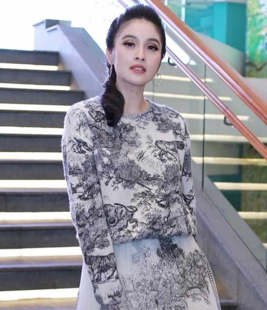 Sandra Dewi Photo 2021