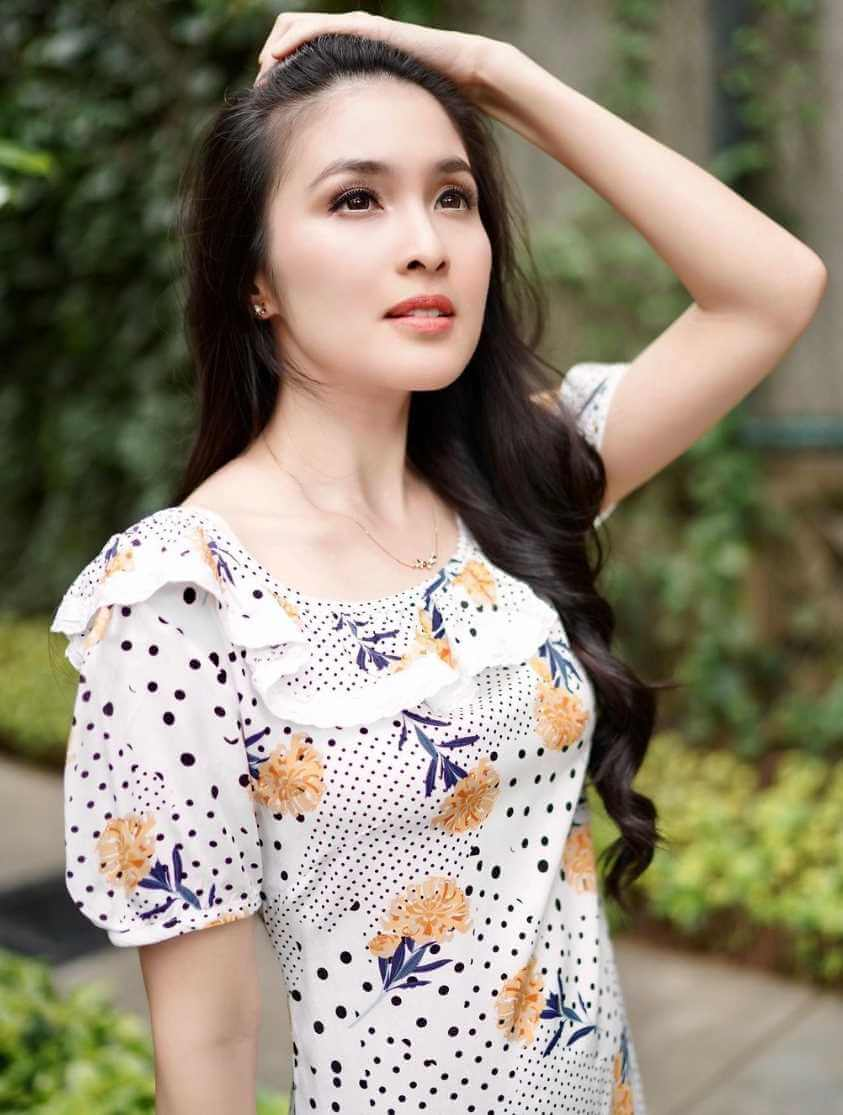 Sandra Dewi Picture