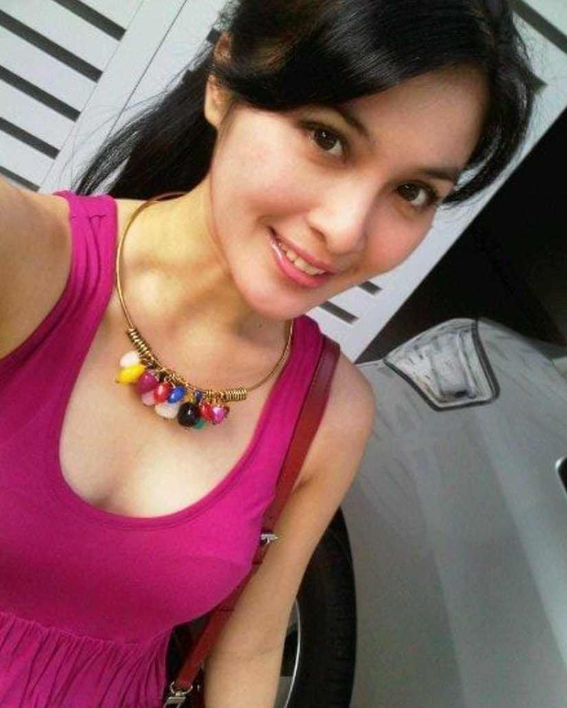 Sandra Dewi Selfie 3