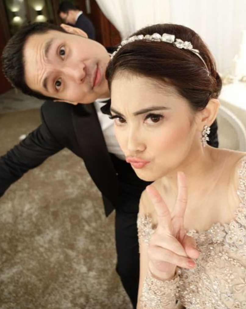 Sandra Dewi with Raymond Gunawan Photo