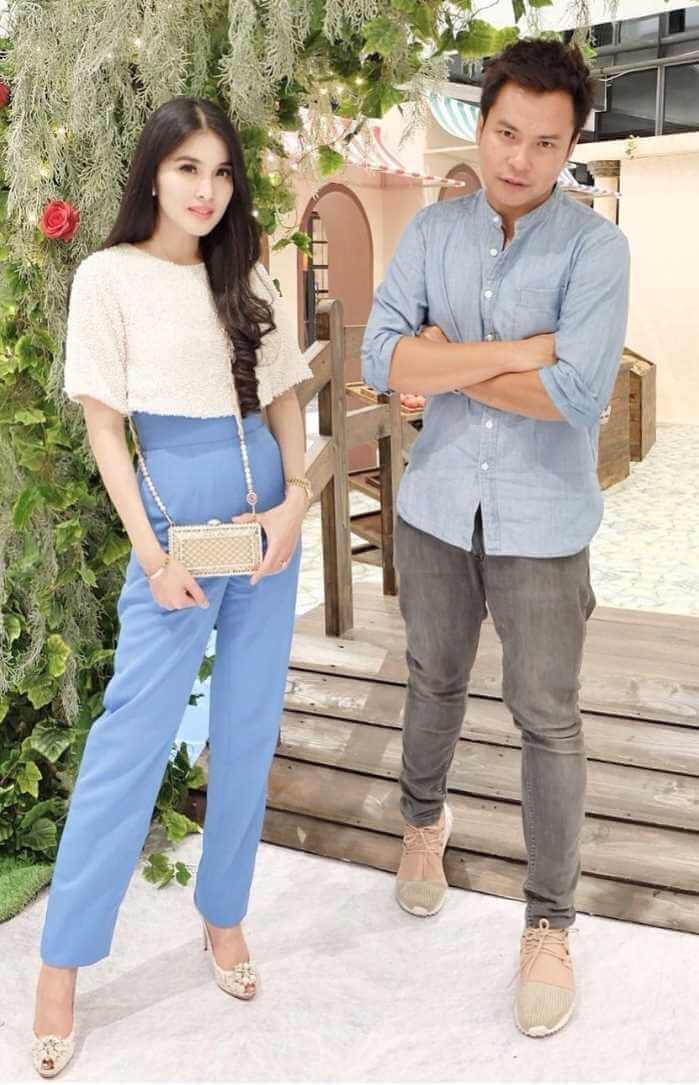 Sandra Dewi with Ryan Ogilvy Image