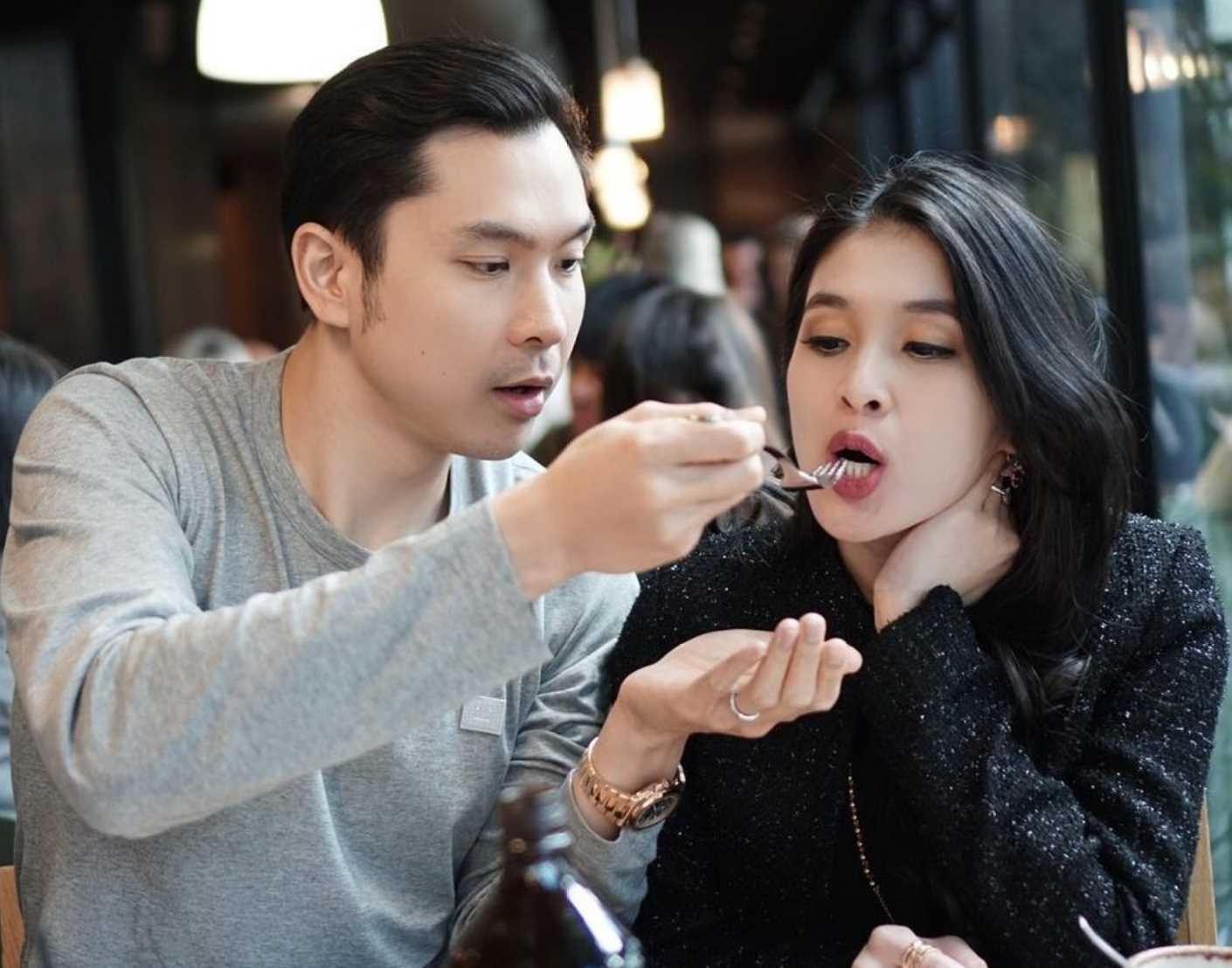Sandra Dewi with her Husband Pic