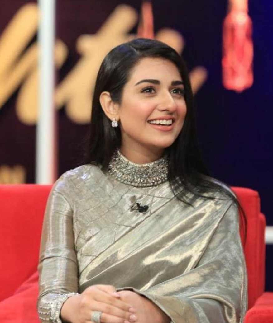 Sarah Khan Old Saree Image