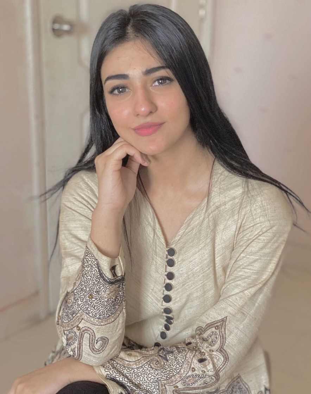 Sarah Khan Beautiful Photos