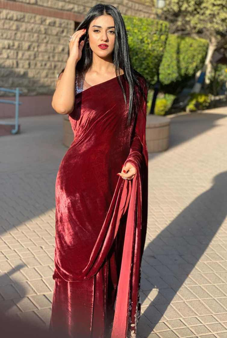 Sarah Khan HD Saree Photo
