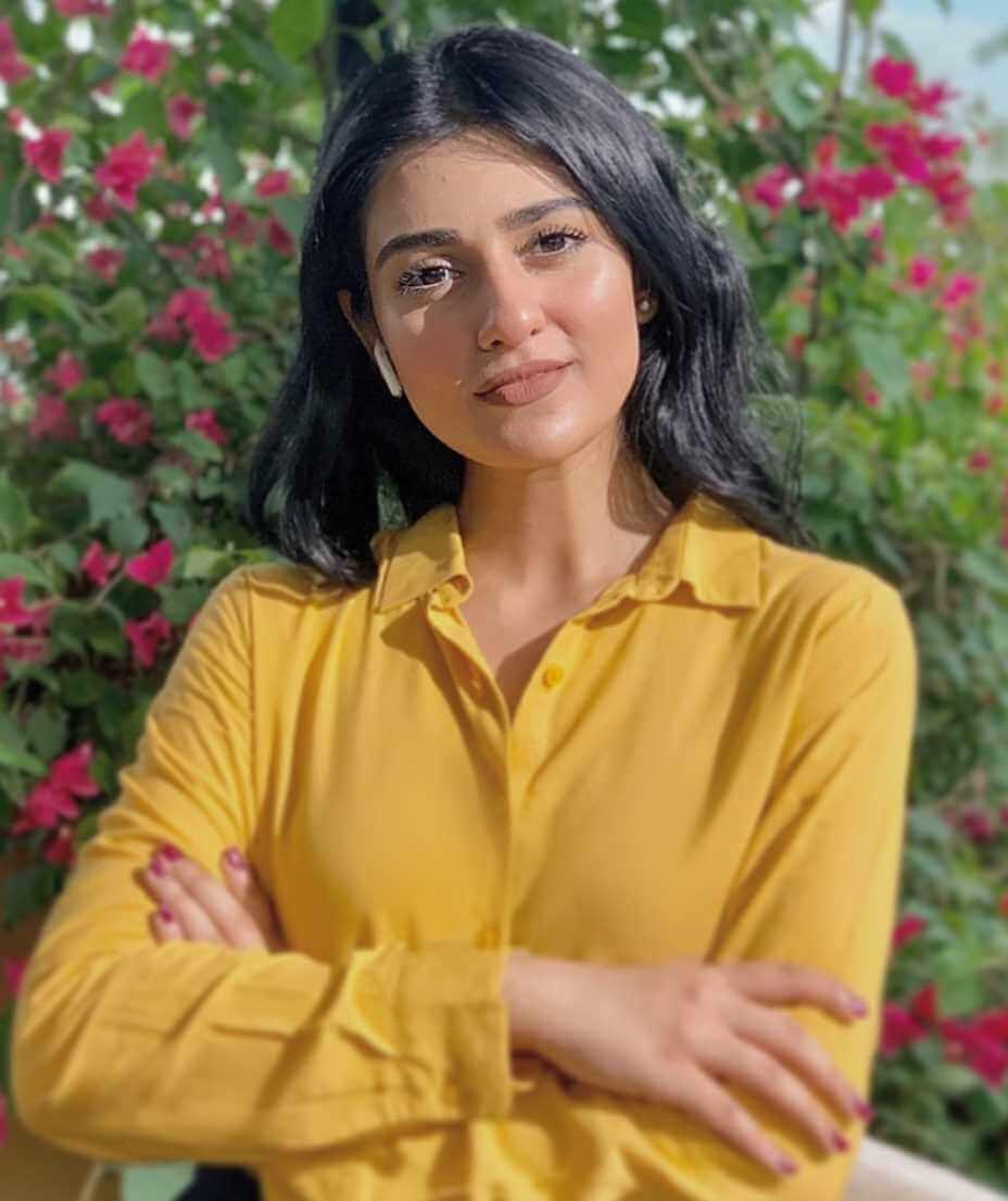 Sarah Khan HD Photo 3
