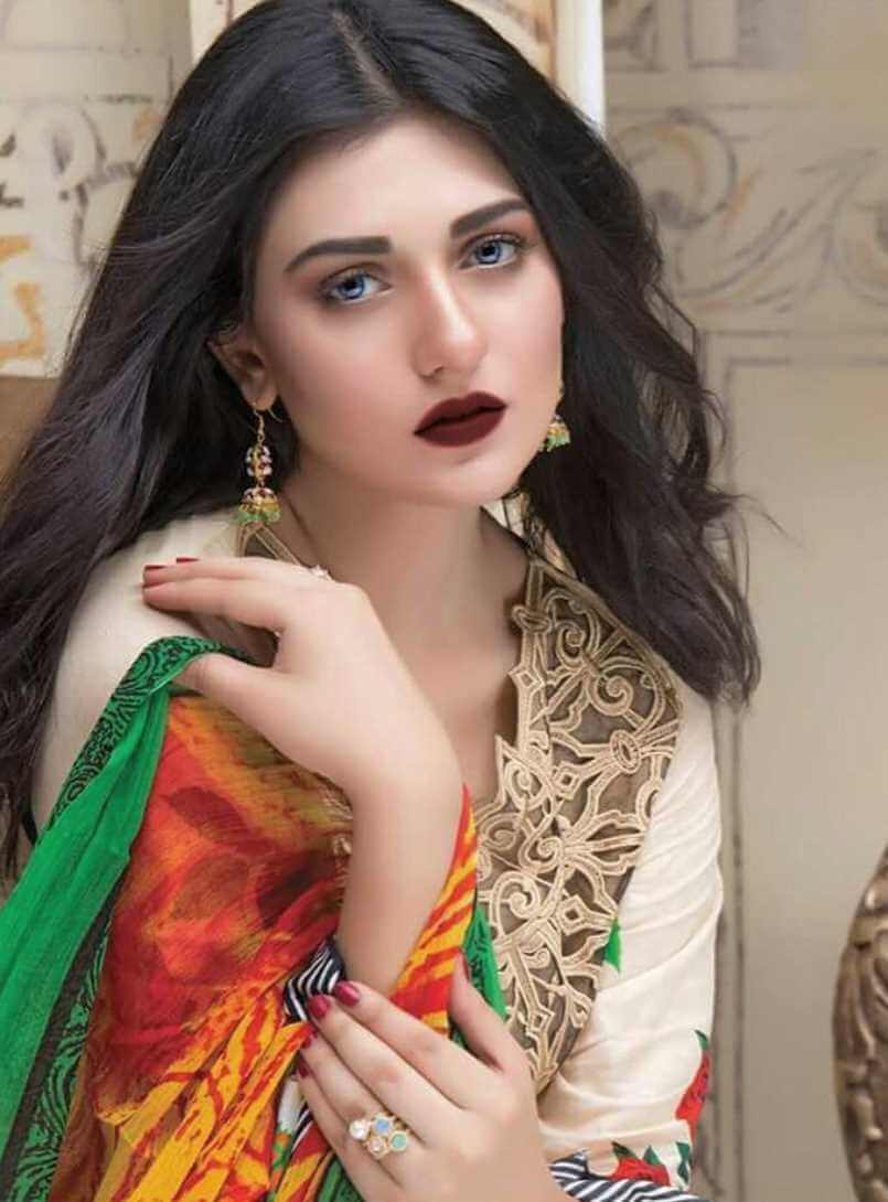 Sarah Khan HD Picture