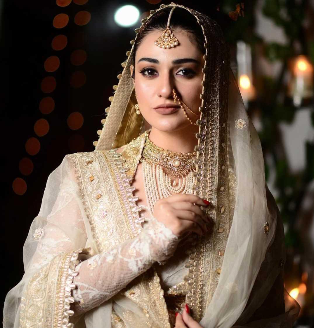 Sarah Khan HD Wedding Photo