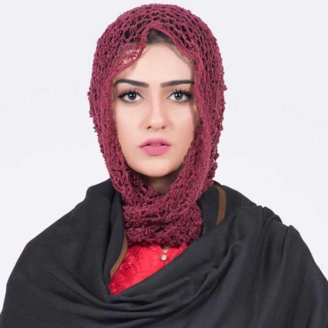Sarah Khan Hijab Pics