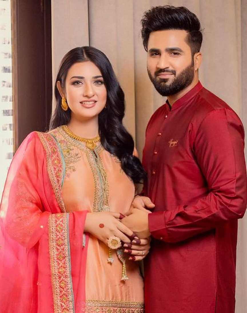 Sarah Khan Husband photo