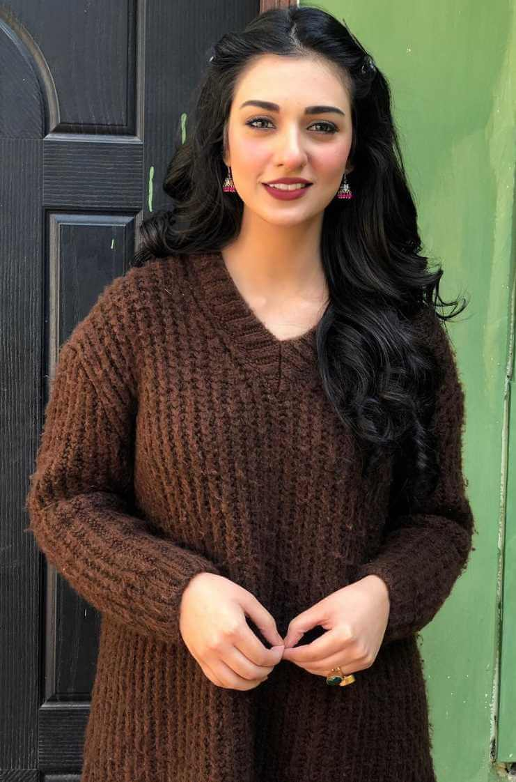 Sarah Khan New Photo hd
