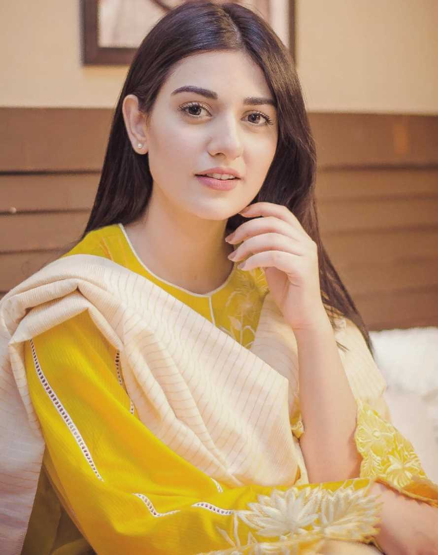 Sarah Khan New Picture